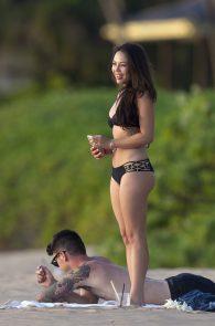 janel-parrish-wearing-a-bikini-on-the-beach-in-hawaii-11