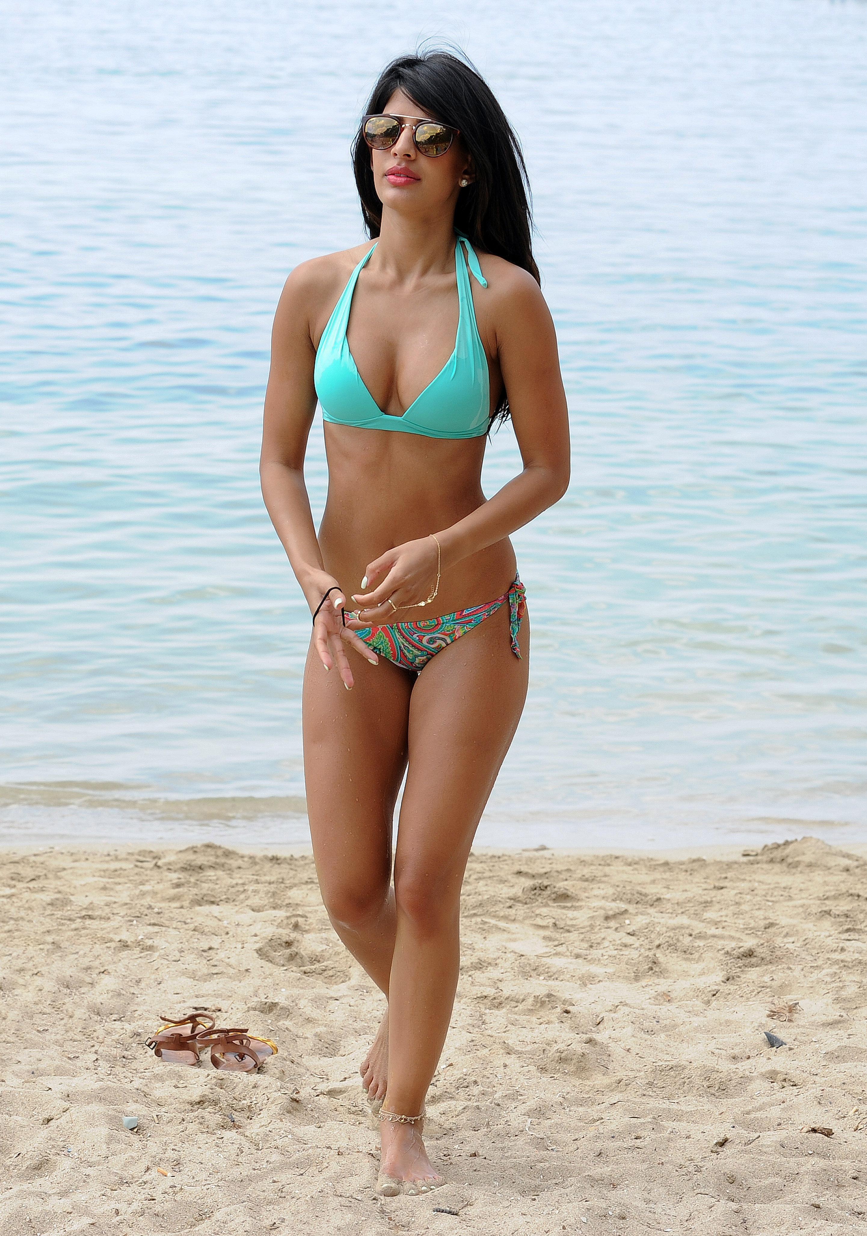 jasmin-walia-wearing-a-bikini-on-the-beach-16