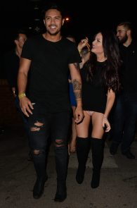 jess-impiazzi-cameltoe-upskirt-while-out-in-surrey-2