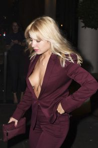 jessica-woodley-nipple-slip-while-out-in-the-town-01