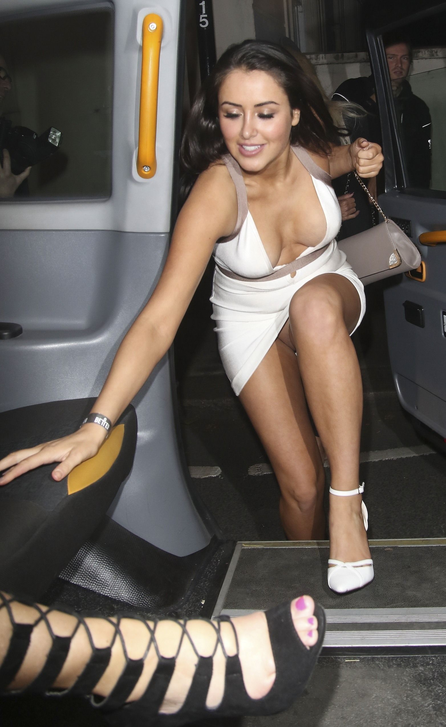 marnie-simpson-pantyless-upskirt-areola-peek-reality-tv-awards-18