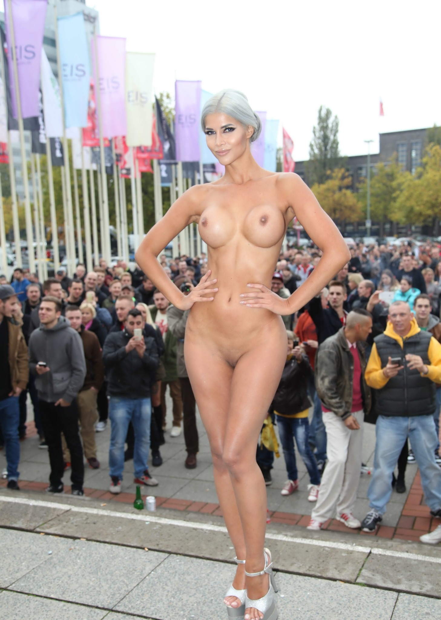 micaela-schaefer-nude-at-venus-2015-exhibition-opening-in-berlin-5