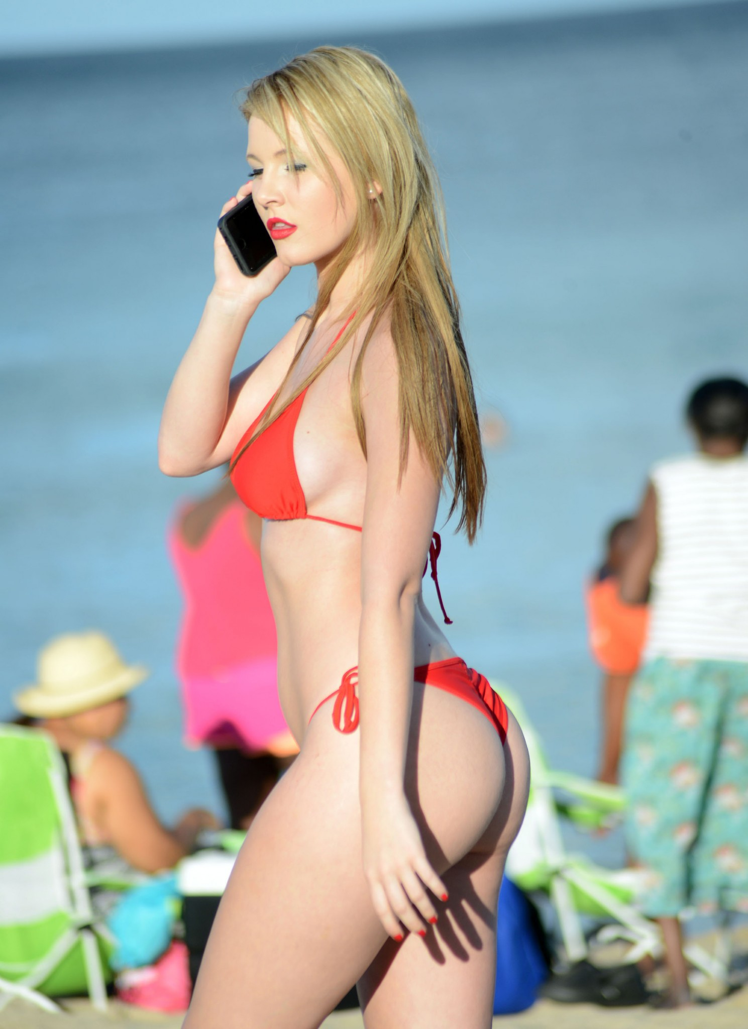 rachel-sanders-wearing-a-tiny-red-bikini-in-miami-04
