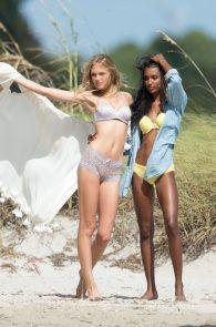 romee-strijd-victoria-s-secret-model-cameltoe-thong-bikini-in-miami-02