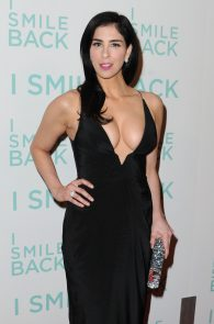 sarah-silverman-cleavage-at-i-smile-back-premiere-06