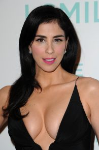 sarah-silverman-cleavage-at-i-smile-back-premiere-08