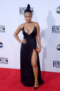 christina-milian-deep-cleavage-at-2015-american-music-awards-07