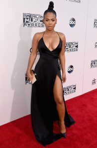 christina-milian-deep-cleavage-at-2015-american-music-awards-14