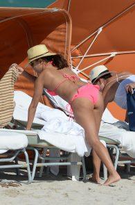 eva-longoria-wearing-a-pink-bikini-in-miami-09