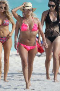 eva-longoria-wearing-a-pink-bikini-in-miami-22