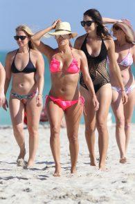 eva-longoria-wearing-a-pink-bikini-in-miami-24