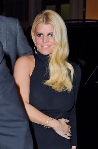 jessica-simpson-braless-see-through-to-nipples-while-out-in-town-01