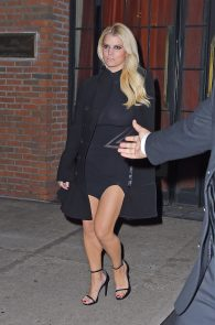 jessica-simpson-braless-see-through-to-nipples-while-out-in-town-12