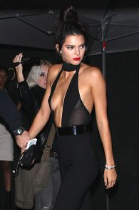 kendall-jenner-braless-cleavage-at-her-birthday-party-in-hollywood-01