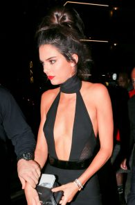kendall-jenner-braless-cleavage-at-her-birthday-party-in-hollywood-02