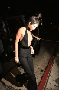 kendall-jenner-braless-cleavage-at-her-birthday-party-in-hollywood-09