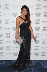 lizzie-cundy-nipple-slip-at-chain-of-hope-annual-ball-in-london-02