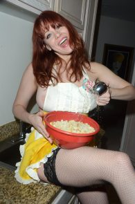 maitland-ward-nip-slip-thong-thanksgiving-dinner-photoshoot-02