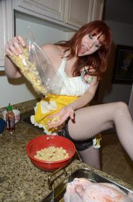 maitland-ward-nip-slip-thong-thanksgiving-dinner-photoshoot-05