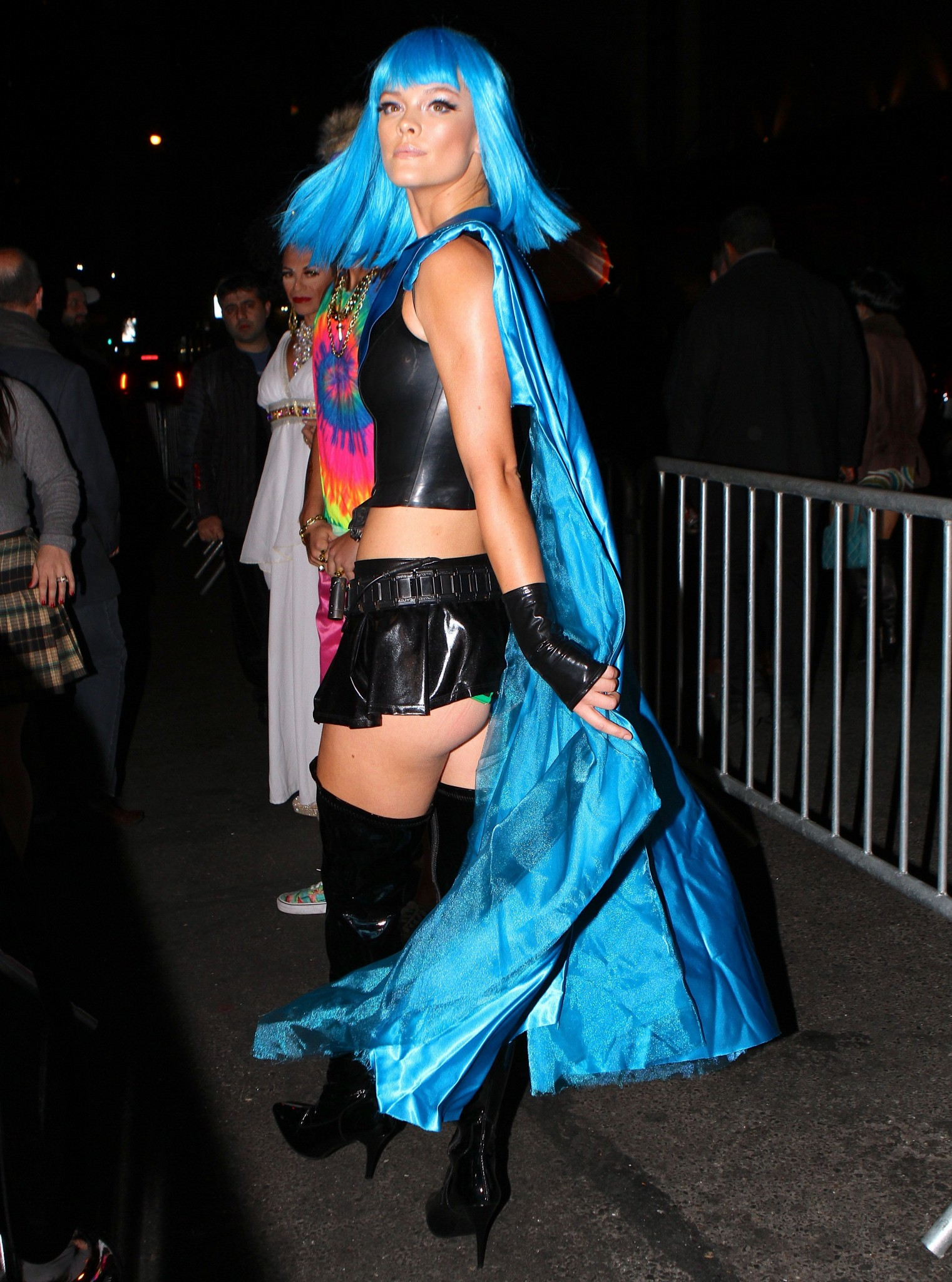 nina-agdal-ass-clevage-ass-cheeks-at-heidi-klum-s-halloween-party-09
