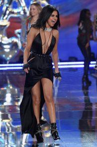 selena-gomez-braless-pokies-cleavage-at-victorias-secret-fashion-show-23