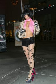 bai-ling-slight-see-through-to-nipples-at-arclight-theatre-08