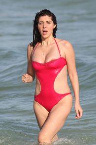 brittny-gastineau-nipple-slip-on-the-beach-in-miami-01