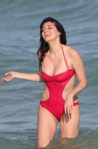 brittny-gastineau-nipple-slip-on-the-beach-in-miami-04