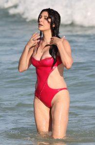 brittny-gastineau-nipple-slip-on-the-beach-in-miami-09