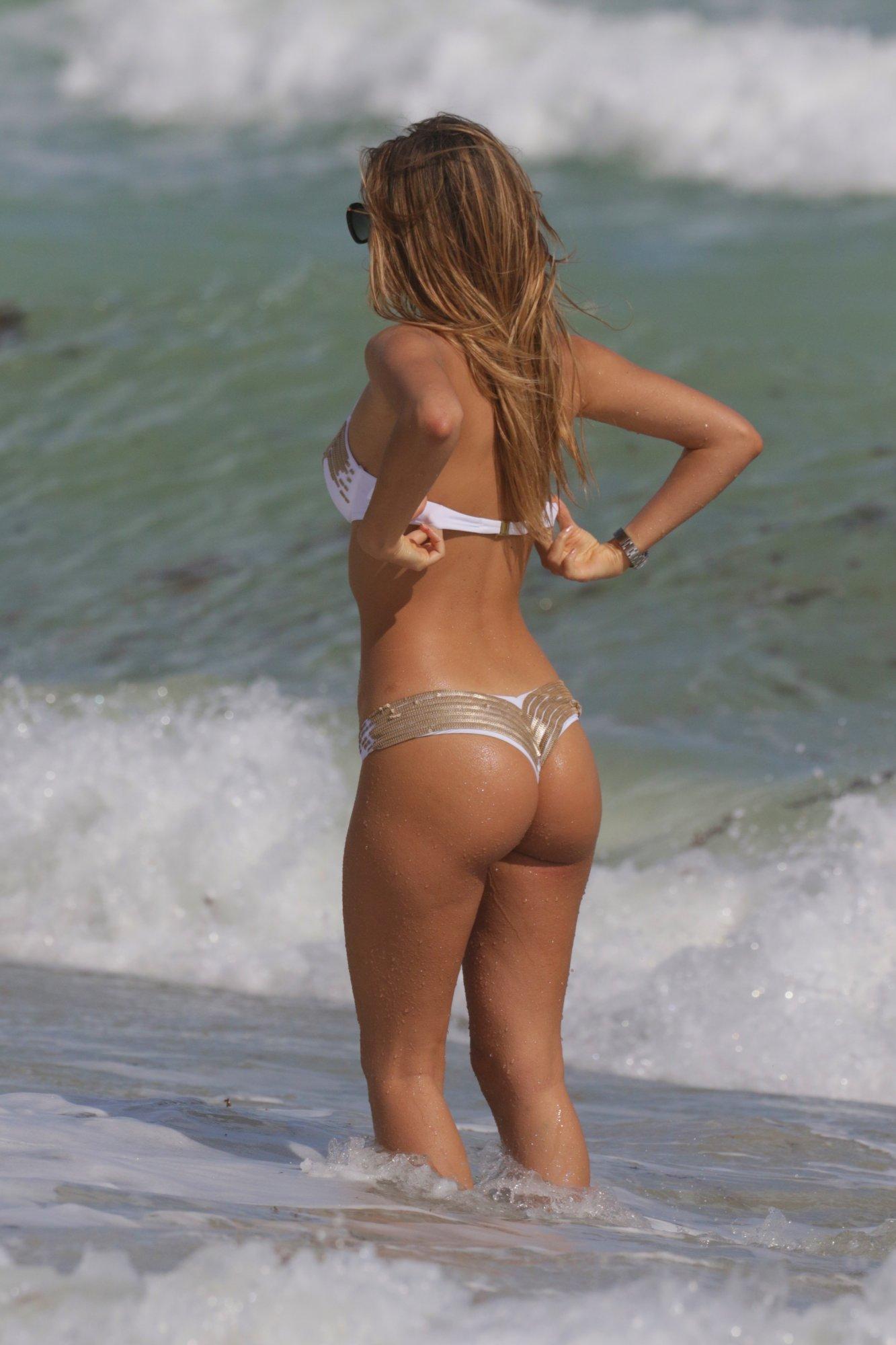 melissa-castagnoli-wearing-a-white-thong-bikini-in-miami-13