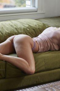 sara-underwood-nipple-pokes-thong-panties-hotel-ma-cherie-photoshoot-03