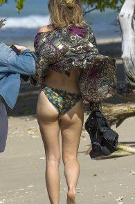 suki-immy-waterhouse-wearing-bikinis-in-barbados-09
