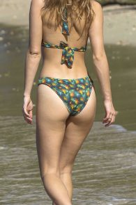 suki-immy-waterhouse-wearing-bikinis-in-barbados-18