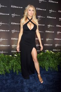 charlotte-mckinney-huge-cleavage-at-encore-players-club-02