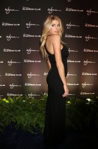 charlotte-mckinney-huge-cleavage-at-encore-players-club-05