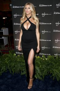 charlotte-mckinney-huge-cleavage-at-encore-players-club-07