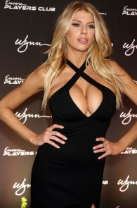 charlotte-mckinney-huge-cleavage-at-encore-players-club-10