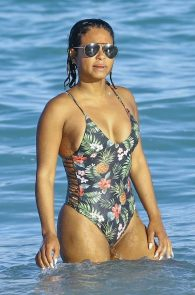 christina-milian-bikini-ass-swimsuit-in-miami-04