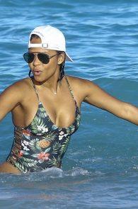 christina-milian-bikini-ass-swimsuit-in-miami-10