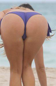 claudia-romani-wearing-a-bikini-in-miami-18008
