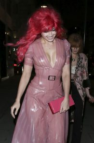 daisy-lowe-see-through-to-pasties-in-london-09