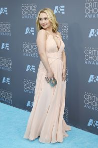 hayden-panettiere-cleavage-at-annual-critics-choice-awards-11