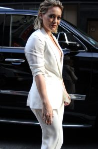 hilary-duff-nipple-slip-while-arriving-at-today-show-ny-05