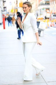 hilary-duff-nipple-slip-while-arriving-at-today-show-ny-08