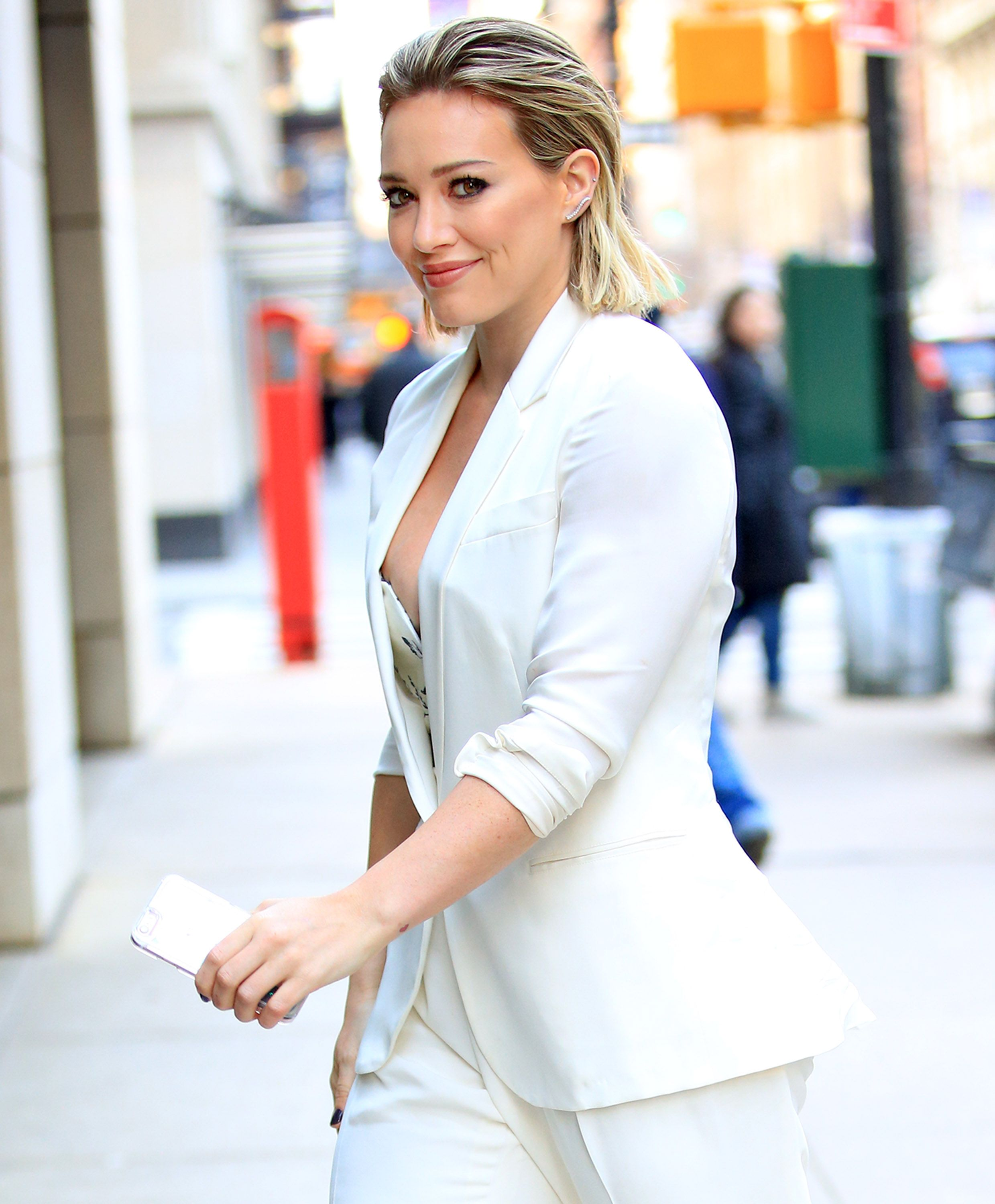 Hilary Duff Flashes Breast on Latest Episode of Younger - TV