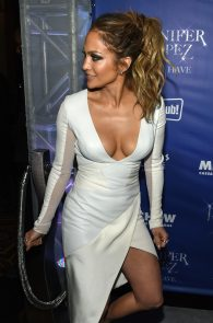jennifer-lopez-tits-cleavage-residency-after-party-02
