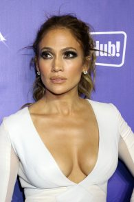 jennifer-lopez-tits-cleavage-residency-after-party-05
