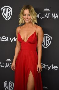 kaley-cuoco-cleavage-at-golden-globe-awards-post-party-08