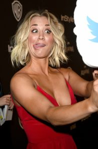 kaley-cuoco-cleavage-at-golden-globe-awards-post-party-10