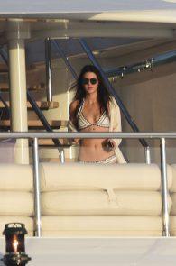kendall-jenner-wearing-a-bikini-on-a-yacht-in-st-barts-01